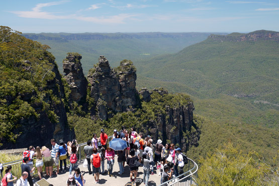 People at a viewing platform overlooking the Blue Mountains, Australia