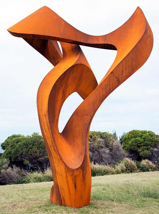 Divergent by Johannes Pannekoek, Scupture by the Sea exhibition 2017 on the Bondi to Tamarama coastal walk, Sydney
