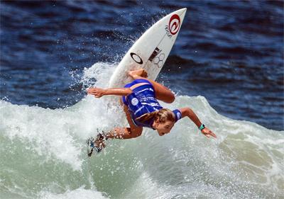 Top Australian female surfer Nikki Van Dijk wins the Australian Open of Surfing at Manly 2016